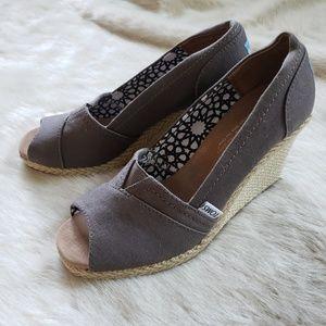 TOMS grey espadrilles open toe wedges size 7